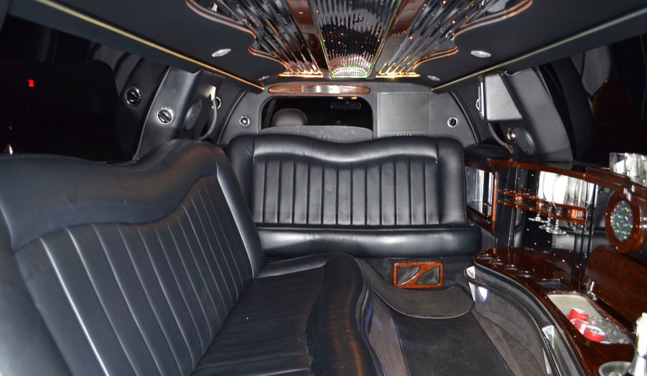 8P_Limo_Int_4